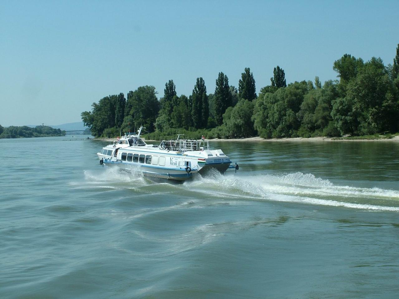 Budapest-Komárom hajókirándulás 2